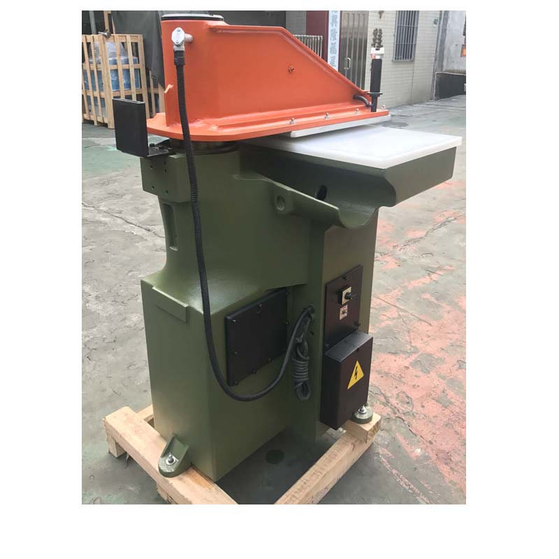 używana przebudowana maszyna do cięcia ATOM do skórzanych butów i toreb