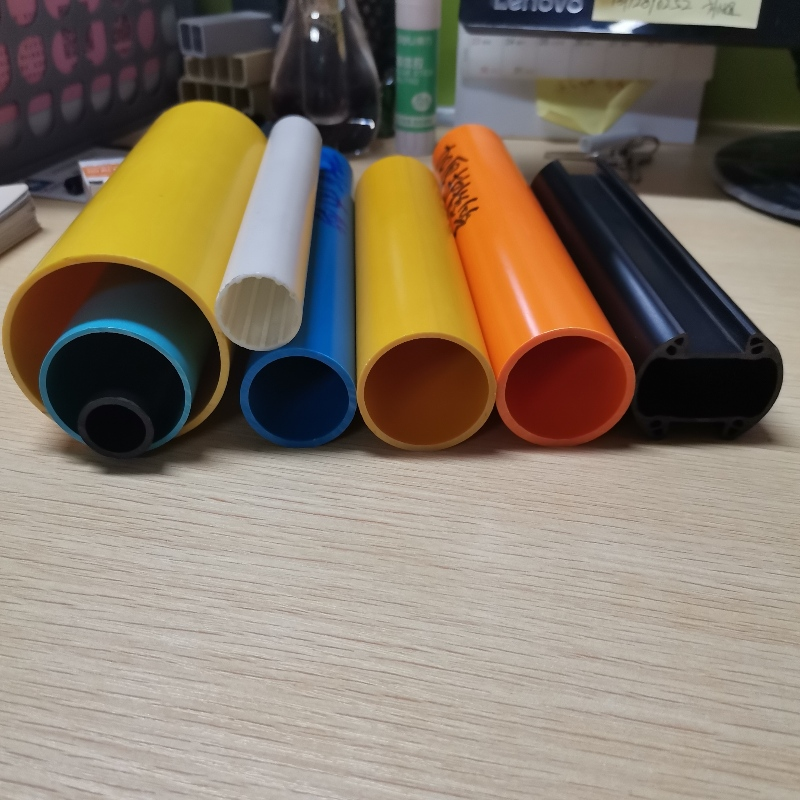 Wydrukuj coś interesującego z projektów DIY z rury PVC, którą powinieneś zrobić