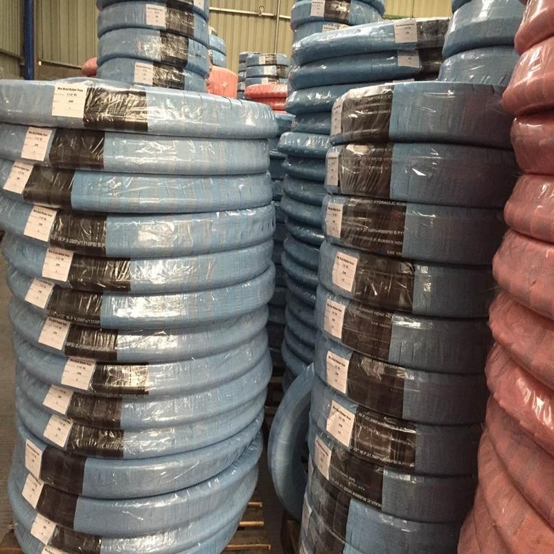 Pakowanie i dostawa węża hydraulicznego
